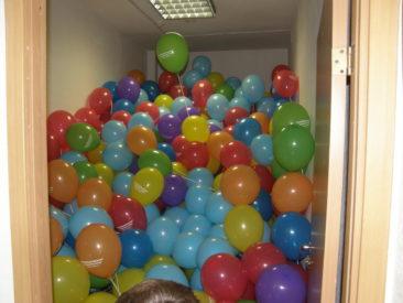 наполнение и раздача шаров